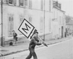The German road sign (1944)